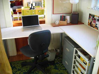 Pautas para organizar una oficina peque a oficina femenina for Imagenes de decoracion de oficinas pequenas